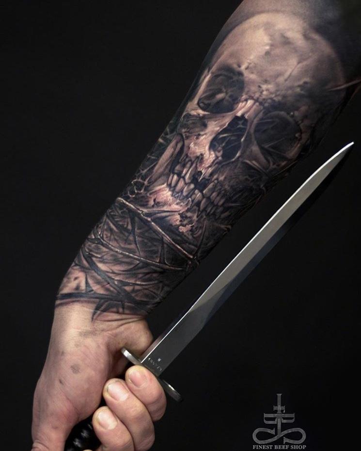 Tatuaje dark calavera Tatuador Piotr Polak4