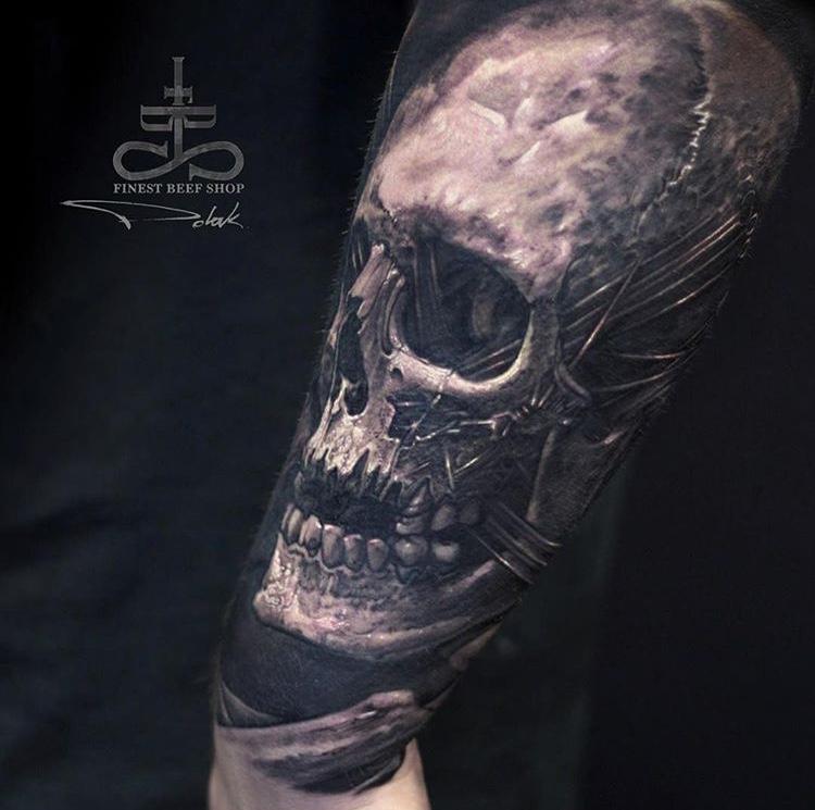 Tatuaje dark calavera Tatuador Piotr Polak6